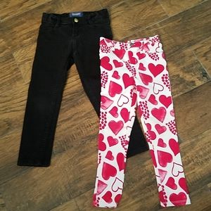 Girls size 5T pants black, hearts